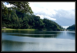 Danau Ngebel